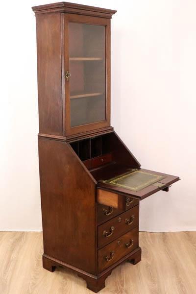 Antiker Aufsatzsekretär mit einfacher Verglasung, Mahagoni, 19. Jahrhundert