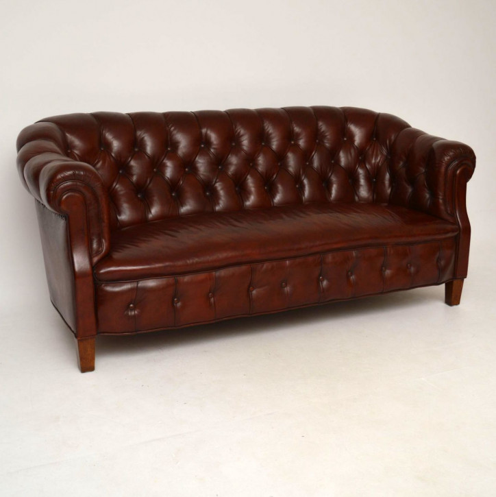 Antikes Swedish Leather Chesterfield Sofa