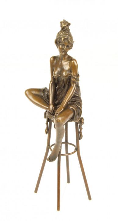 Bronzefigur Lady On Barchair 27,8x9,3x9,9cm