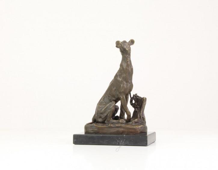 Bronzefigur Sitting Greyhound 18x9,6x12,4cm