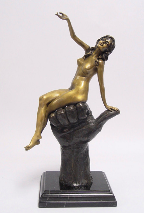 Bronzefigur Female Nude Sitting On Hand 37x12,1x19,6cm