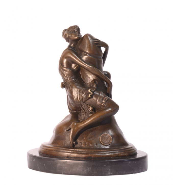 Bronzefigur Woman Embracing Phallus 17,7x11x15cm