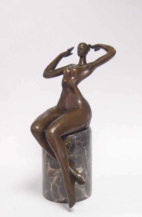 Bronzefigur Sitting Nude 24,4x13x14,1cm