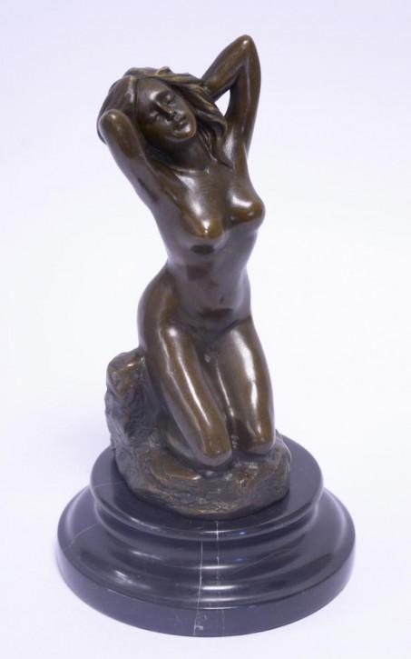 Bronzefigur Kneeling Nude 21,1x11,8x11,8cm