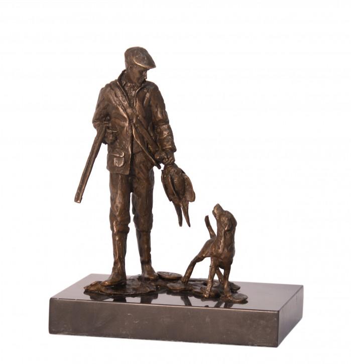 Bronzefigur Hunter With Hound 15,7x8x12,7cm