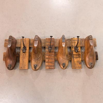 Wandhacken 77x28x12 Holzschuhe Vintage Garderobenhaken