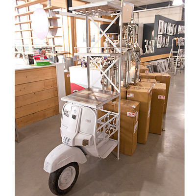 Weinregal Roller Weiß 70x105x185