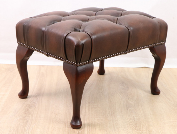 """Queen Anne"" Chesterfield Hocker"