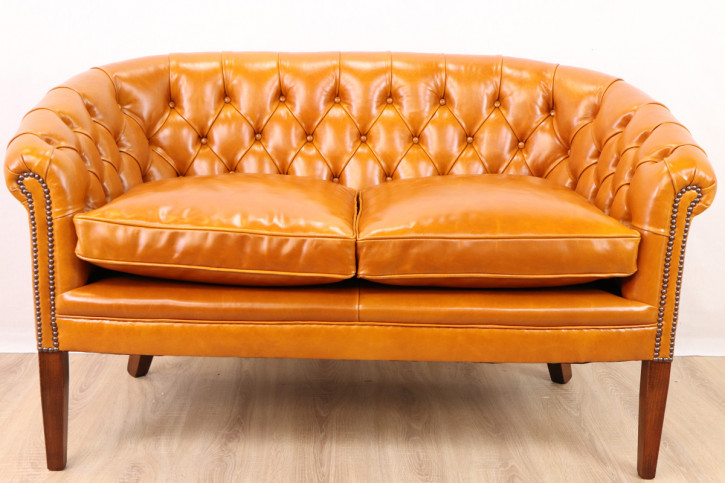 """Victorian Club"" original Chesterfield Sofa 2-Sitzer Anilinleder"