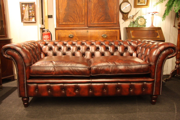 """Victorian Tub"" Chesterfield Sofa 2-Sitzer Anilinleder"