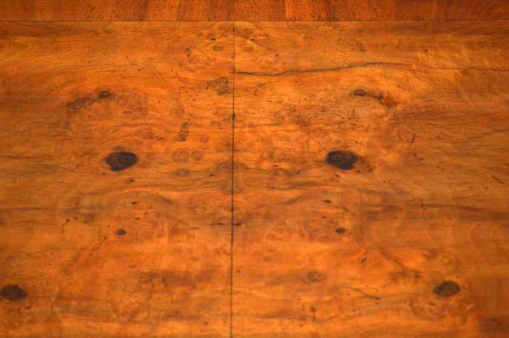 Antiker Nussbaum  Tisch Lowboy