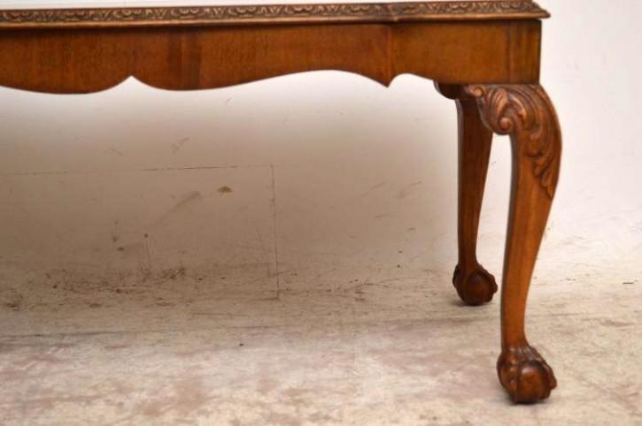Antiker Coffee Table Wurzelnussholz