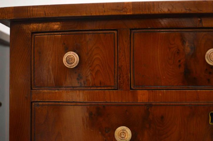 Antikes Paar Beistelltische Yew Wood