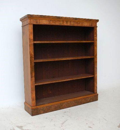 Antiker Nussbaum Bücherschrank