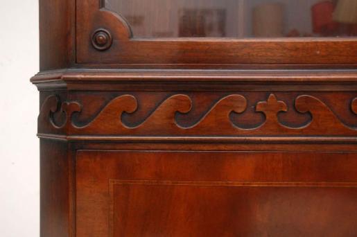 Antiker Mahagoni Eckschrank mit verglastem Oberteil