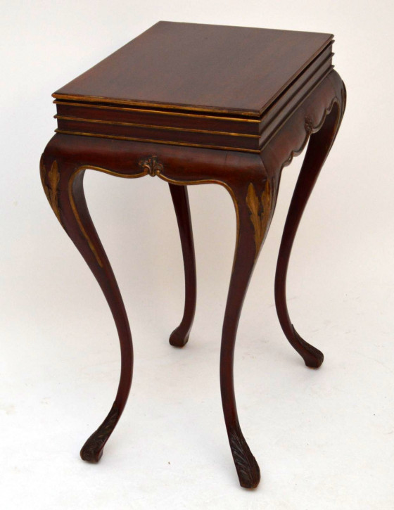 edwardian beistelltisch aus mahagoni antik. Black Bedroom Furniture Sets. Home Design Ideas