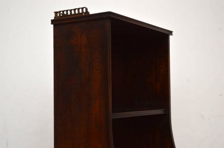 Antikes schlankes Bücherregal Bookcase