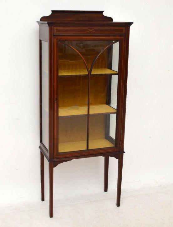 sch ne antike edwardian vitrine. Black Bedroom Furniture Sets. Home Design Ideas