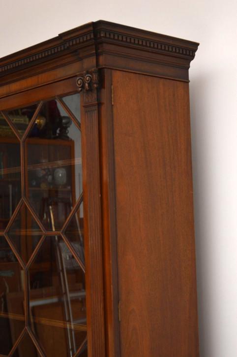 Großes antikes Booksace Bücherschrank