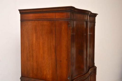 Antiiker  Flammen  Mahogany  Chest Linnenpress  on Chest