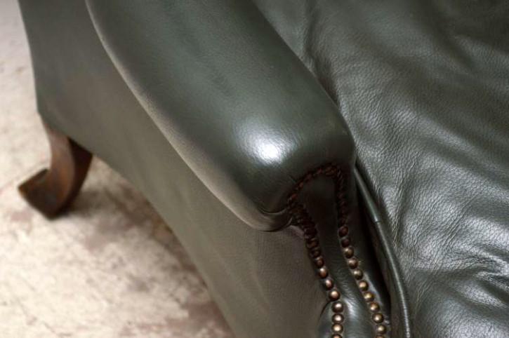 Antiker Wing Chair mit weichem Leder