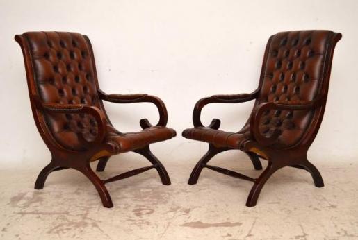 Paar Antiker Ledersessel mit Deep Buttons Sessel aus Leder