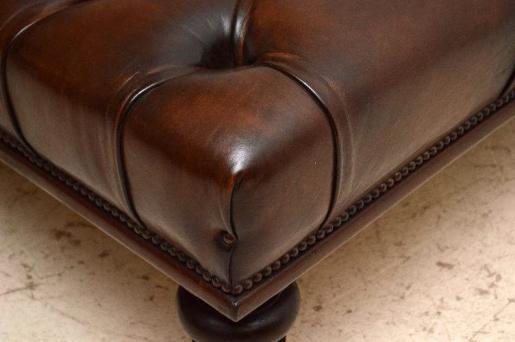 Antike  originale  Deep Buttoned Large  auch als Cafetisch