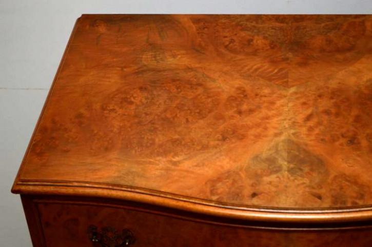 Helle antike Kommode mit 5 Schubladen