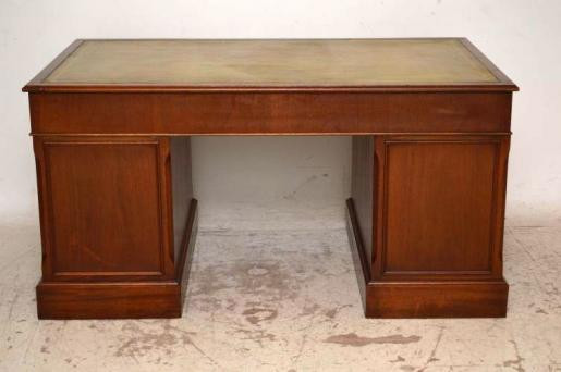 Antiker großer Schreibtisch massives Mahagoni