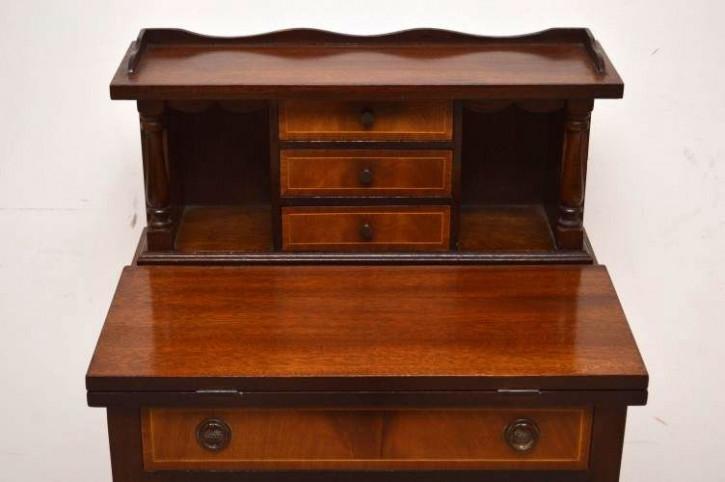 Antiker kleiner Schreibtisch Sheraton Stil