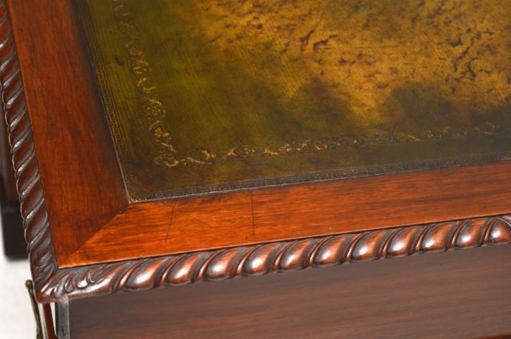 Antiker Mahagoni Schreibtisch mit Leder
