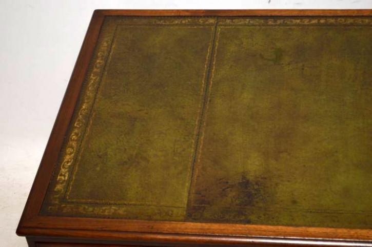 Großer antiker Schreibtisch aus Mahagoni