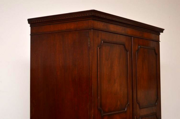 Antiker 2 türiger  Mahagony Kleiderschrank