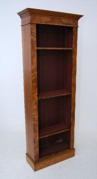 Ein Paar hohe antike Victorian Burr Nussbaum Bücherschränke