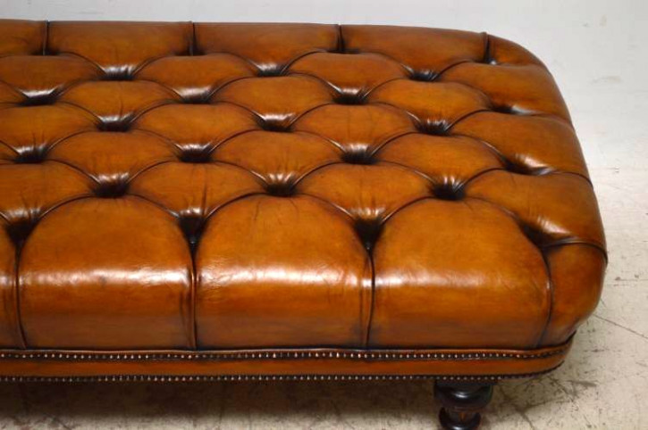 """""""Victorian Deep Buttoned Leather Day Bed / Chaise"""" antik"""