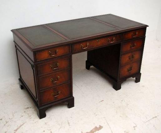 Antiker Schreibtisch - Georgian Style - Lederschreibfläche