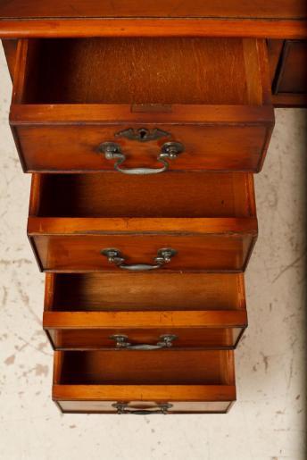 Kleiner antiker Schreibtisch - Georgian