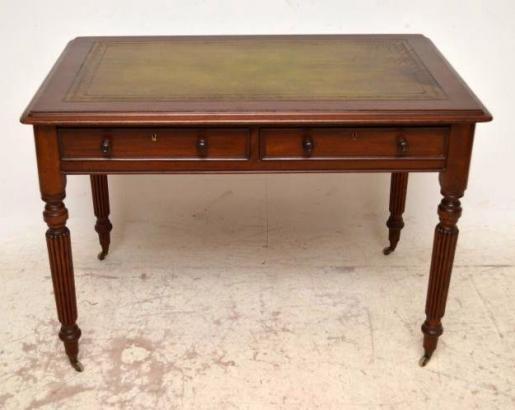 Schreibtisch aus der Viktorianische zeit typisch seine Beine die Lederplatte ist erneuert