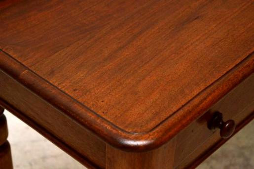 Viktoriansicher Schreibtisch oder Nebentisch schön für den Eingangsbereich