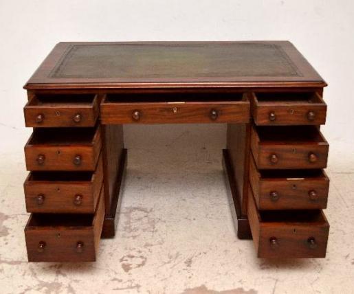 Originaler victorianischer Schreibtisch  Pedestal Desk