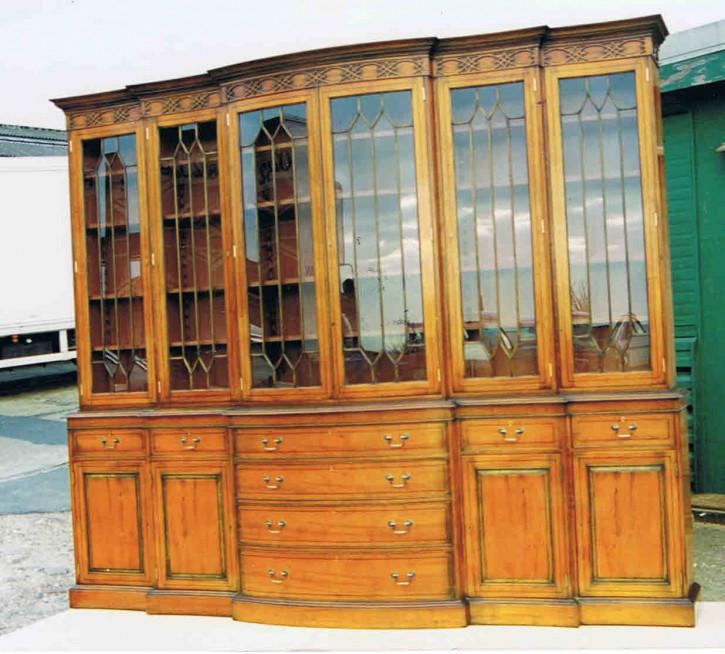 Breakfront Bookcase Sonderanfertigung   auch  in Mahagoni