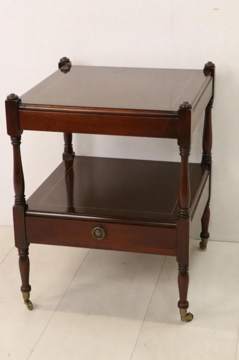 Englischer Lamp Table auf Rollen, in Mahagoni