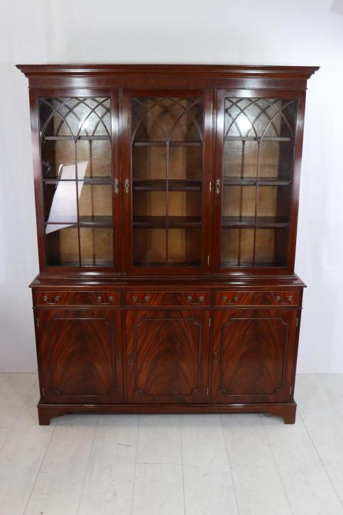 Englischer verglaster Bücherschrank in Mahagoni, gotischer Stil