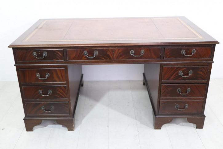Freistehender Schreibtisch aus England, in Mahagoni