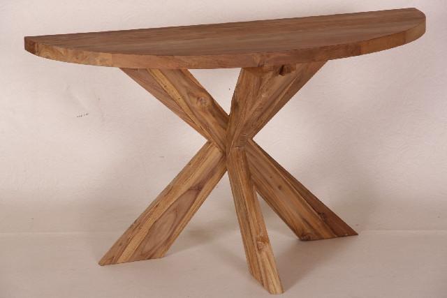 Schöner halbrunder Tisch