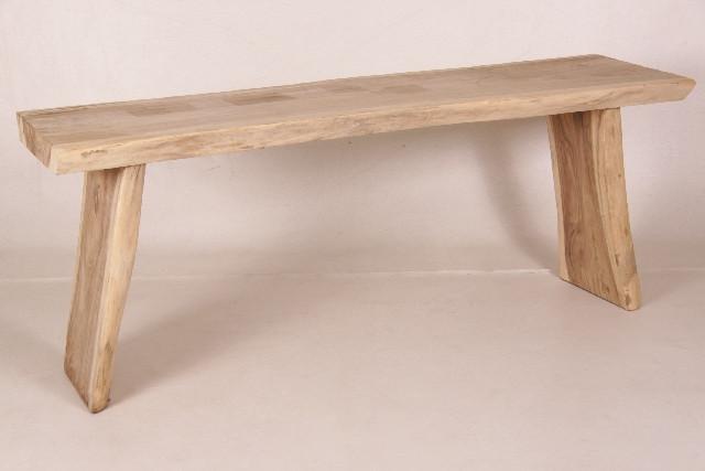 Solide Holzbank aus hellem Holz