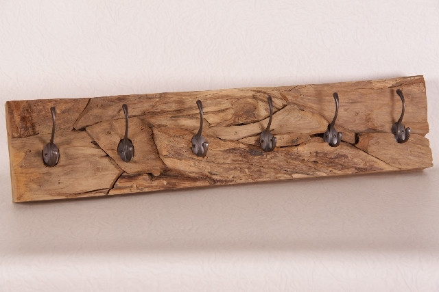 Rustikale Garderobe mit 6 Harken helles Holz