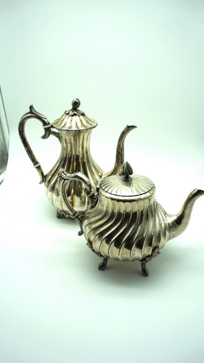 Paar: Versilberte Kaffeekanne und Teekanne England