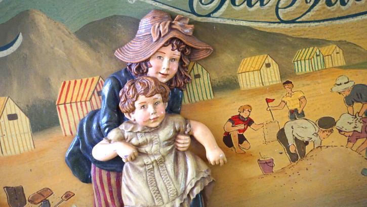 Pubsign Holzbild Seebad mit Kindern