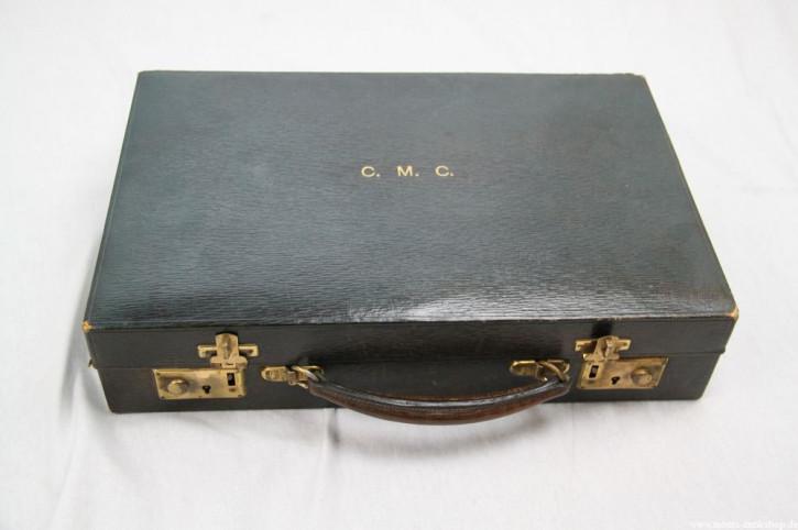 alter Dokumentenkoffer